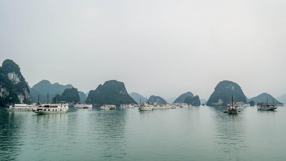 Massentourismus in der Halong Bucht (Nebensaison!)