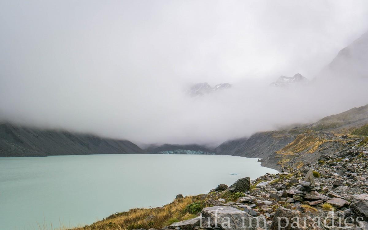 Gletschersee im Hooker Valley mit vielleicht 20 von 3.724 Metern Mt. Cook